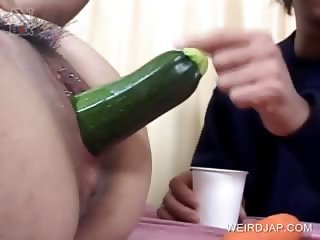 Asian gets her two holes toyed