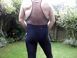 LYCRA PLAY IN  THE RAIN