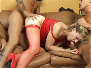 Mature Woman in Sexy Underwear Gives Her Holes For Two Mens
