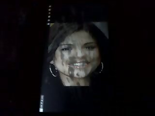 Tribute MONSTER facial Selena Gomez