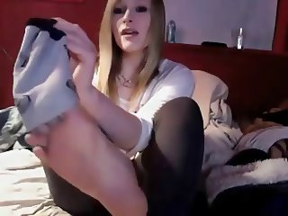 Cute teen Chelsea takes shoes and socks on cam