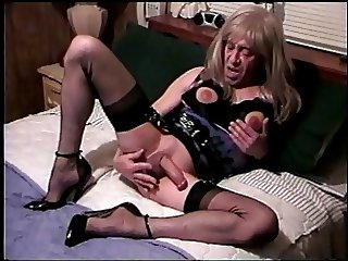 Carol C. Ugly Old Hard Jerking Trannyslut Cums