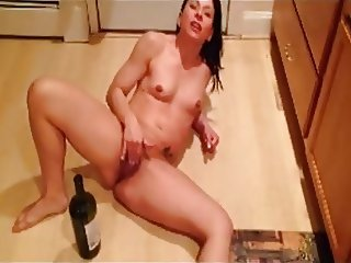 slut fucking a bottle