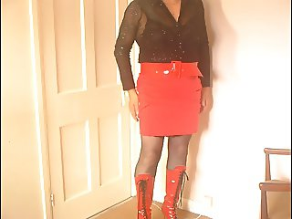 Dee in Red Boots