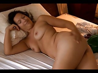 hot chubby brunette masturbates and talks to camera