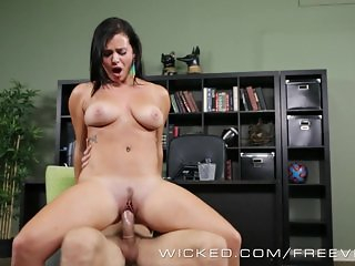 Wicked - Secretary Keisha Grey gets pounded