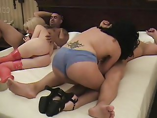 (Colllect) Swingers and swapping cum in the end