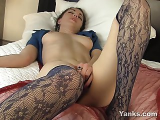 Sexy Layla Vibrating Her Hairy Snatch