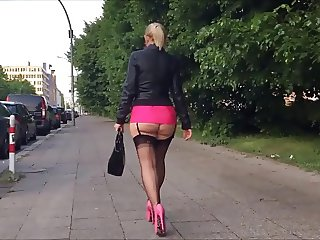 Hooker with a big ass walking - PART 1