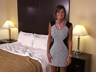 Realtor Does Amateur POV Casting - MILF's First & Only Scene