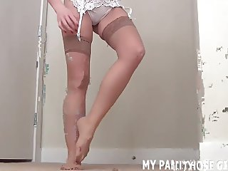 These soft pantyhose make my pussy so wet JOI