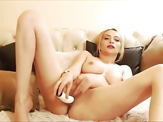Wild blonde courtesan with fuckable lips and nice boobs