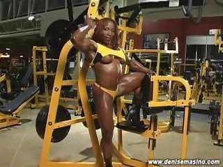 GYM HEAT5 Desiree Ellis - Female Bodybuilder