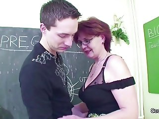Mature School Teach show Young Boy How to Fuck right