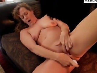 Couch solo and super orgasm Granny Vanessa