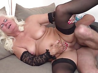 Desperate granny suck and fuck big penis