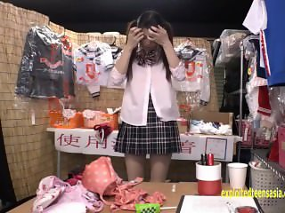 Ruria Ichinose Visits Shop Sale Has No Money So Fucks On The Floor To Pay