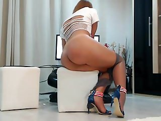 Milf webcam with Amazing body part 2