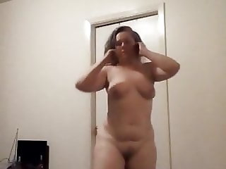 Dirty slut loves to shake her juicy white ass