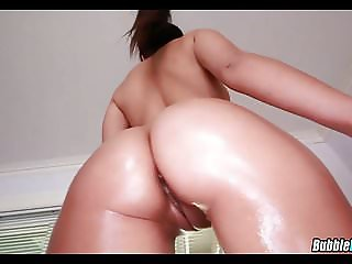 Jynx Maze Oiled Up and ready