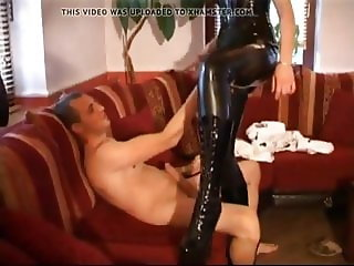 German Slut in Black Latex Fucked, Free Porn 1c xHamster de.