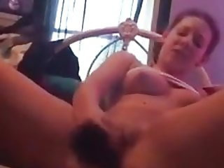 Hot Teen Pleasing Her Muff