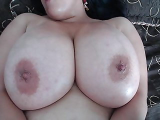 bbw with huge oiled tits playing