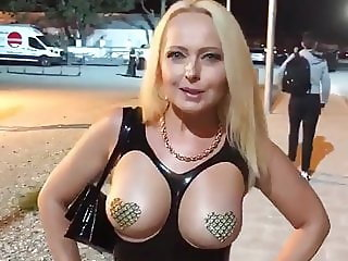 Stunning Fetish AUNT going to Party