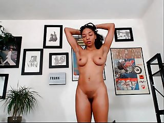 naked ebony girl dancing on cam