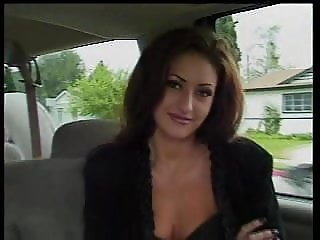 Nakita Kash fucks herself in the car