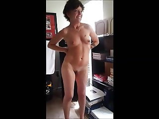 Ajewel4u2018 I love sucking cock after striptease!!!!