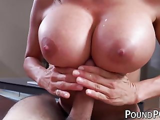 Bubble butt MILF Alexis Fawx slammed after sucking in POV