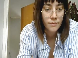 sweetgirl94xoxo dances on chaturbate