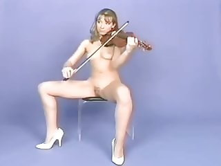 7 type of nude women musicians