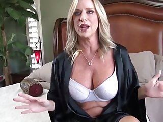 naughty mature cougar milf loves creampie with her new boss