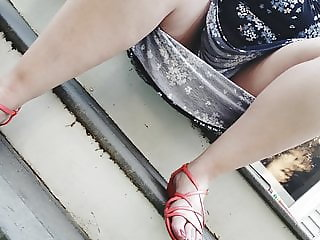 Beautiful feet, beautiful upskirt