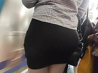Super hot candid ass nalgona big booty skirt tattoed