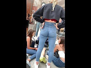 INSANE BRITISH TEEN ASS IN JEANS!