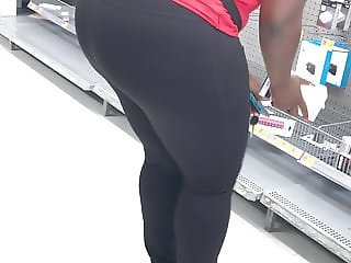 Phat Ass in tights (2)