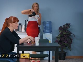 Brazzers - Big tit temp Brett Rossi gets some bbc in the office