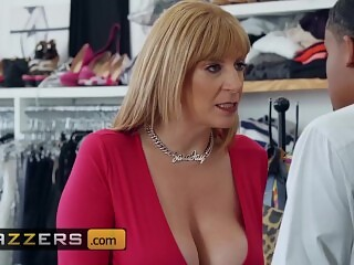 Brazzers - Big tit phat ass Mom Sara Jay love younger bbc