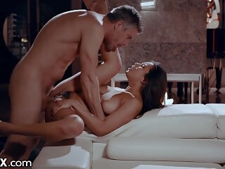 Fucking My Older Daddy - EroticaX