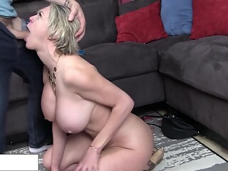 Dee Williams - Dominated by her son