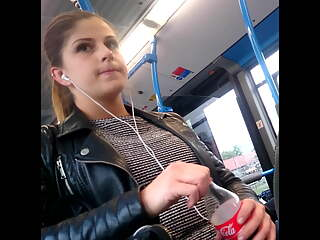 Sexy Teen Candid Spy on Bus