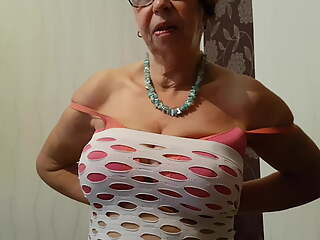MATURE REDHEAD GRANNY TOLD WHAT TO DO - ANNA FROM MANCHESTER