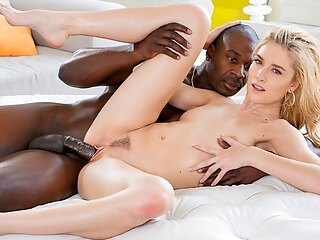The Negro as put thick cock in narrow vagina skinny blonde...