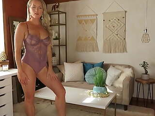 Another Amazing MILF from internet PT 2