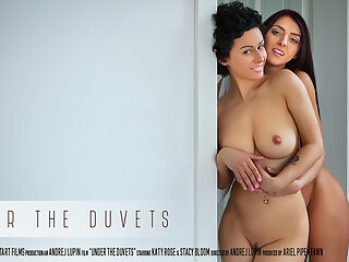 Under The Duvets - Katy Rose & Stacy Bloom - SexArt