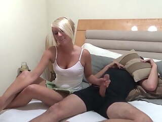Sexy cousin likes hot fuck