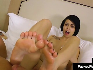 Tiny Bailey Paige Removes Knee High Sneakers & Gives Footjob